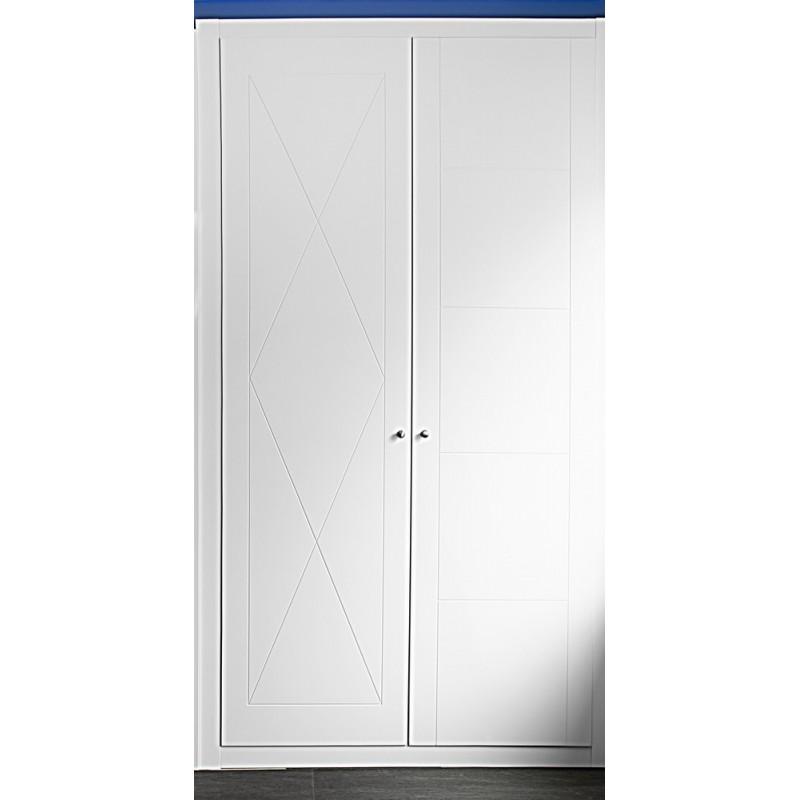 Puerta armario corredera modelo 7 lacada blanca rodapies for Puerta lacada blanca