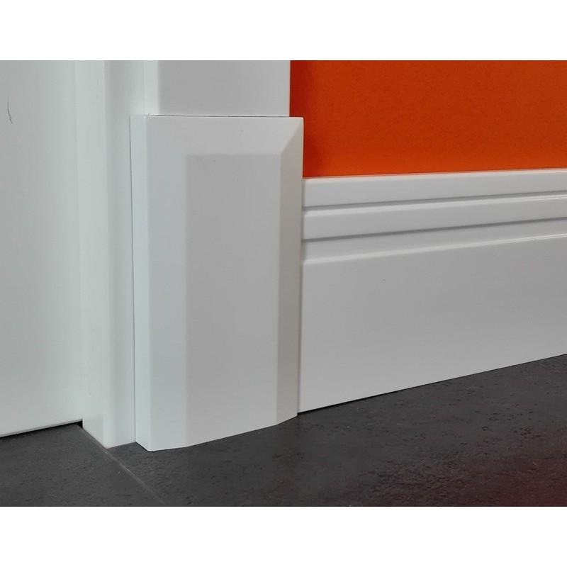Plinto modelo m2 lacado blanco rodapies lacados de madera - Pintura lacada blanca para madera ...
